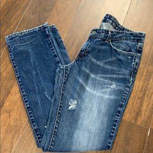 Levi's Demi Curve Jean.  Size 31